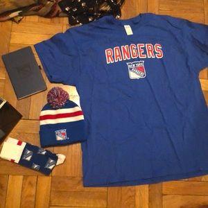 NY Rangers hat tshirt socks notebook pop socket